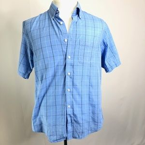 Mens Van Heusen Button Up Short Sleeve Size M